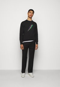 PS Paul Smith - MENS REG FIT LIGHTNING UNISEX - Sweatshirt - black - 1