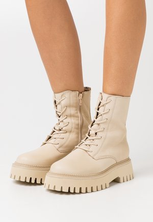 GROOV-Y - Platform ankle boots - camel