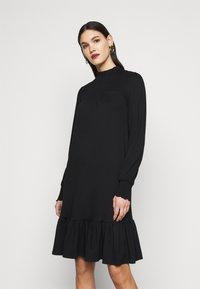 Dorothy Perkins Tall - BLACKSHIRRED DRESS - Jersey dress - black - 0