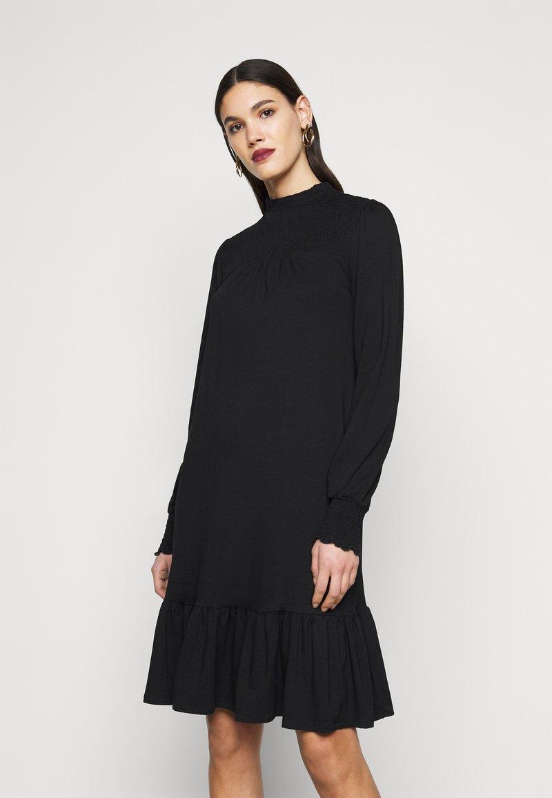 Dorothy Perkins Tall - BLACKSHIRRED DRESS - Jersey dress - black