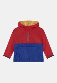 Polo Ralph Lauren - OUTERWEAR - Vodotěsná bunda - red/sapphire star - 0