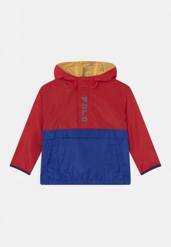 OUTERWEAR - Waterproof jacket - red/sapphire star