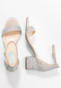 Blue by Betsey Johnson - MARI - Sandály - champagne - 3