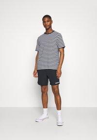 Farah - REDWALD DOBBY - Shorts - true navy - 1