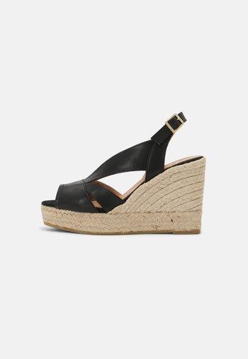 INES - Platform sandals - schwarz