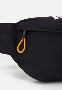 Timberland - BUM BAG - Taška spříčným popruhem - black - 3