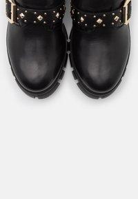 Steven New York - GROOM - Kovbojské/motorkářské boty - black - 5