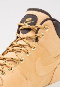 Nike Sportswear - MANOA - Lace-up ankle boots - beige / marron - 5