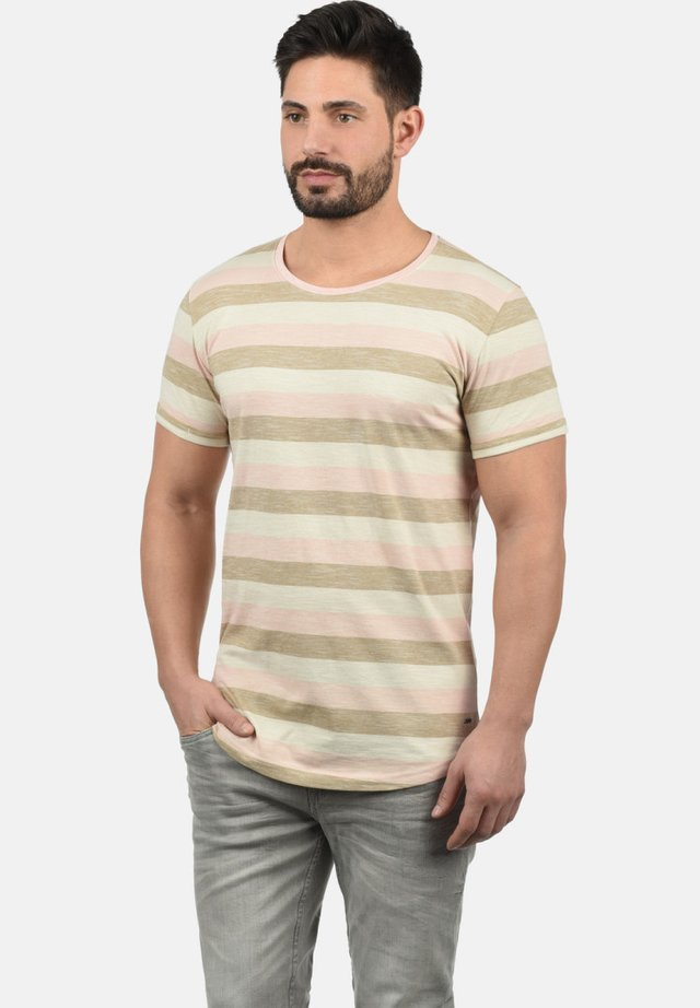 RUNDHALSSHIRT THICCO - Print T-shirt - light pink