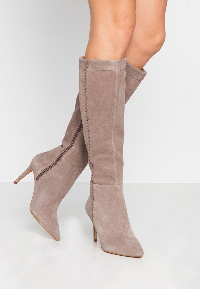 Zign - Boots med høye hæler - taupe