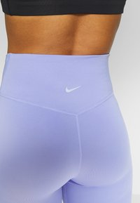 Nike Performance - SWOOSH-RUNNING TIGHT  - Tights - light thistle - 6