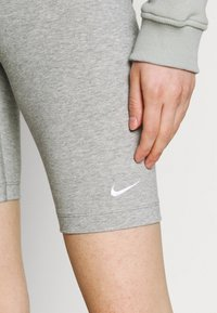 Nike Sportswear - BIKE  - Shorts - grey heather/white - 3