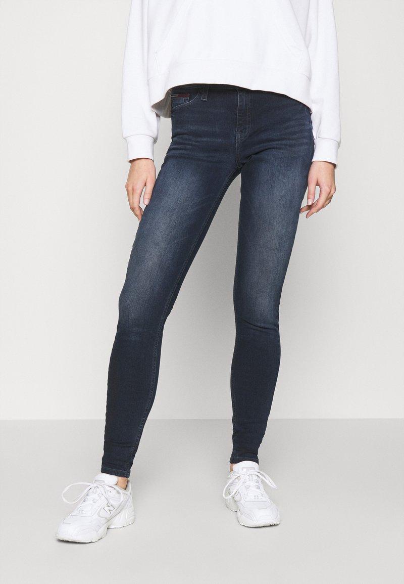 Tommy Jeans - NORA SKNY JDBST - Jeans Skinny Fit - jade dark blue