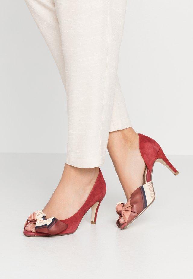 Peep toes - ruby