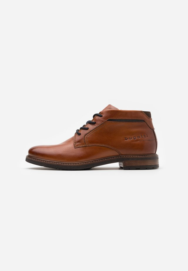 MARCELLO EVO - Bottines à lacets - cognac
