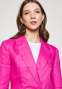 Never Fully Dressed - LINEN HEART POCKET - Blazer - pink - 3