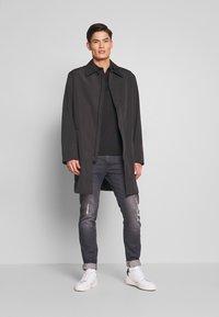 Calvin Klein Tailored - COMPACT NYLON COAT - Wollmantel/klassischer Mantel - black - 1