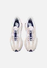 New Balance - 327 UNISEX - Sneaker low - grey - 5