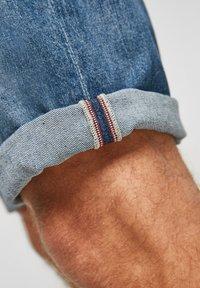 s.Oliver - Jeans Shorts - medium blue - 5