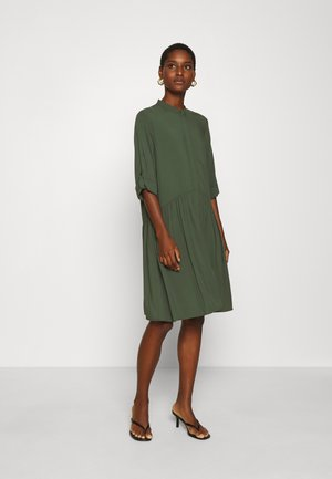 ALBANA - Shirt dress - climbing ivy