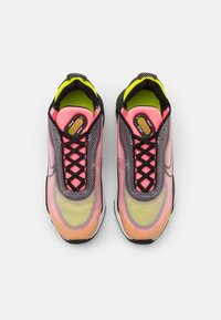 Nike Sportswear - AIR MAX 2090 - Trainers - champagne/black/sunset pulse/cyber - 5