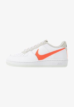 FORCE 1 LV8 3 - Baskets basses - white/total orange/summit white/black