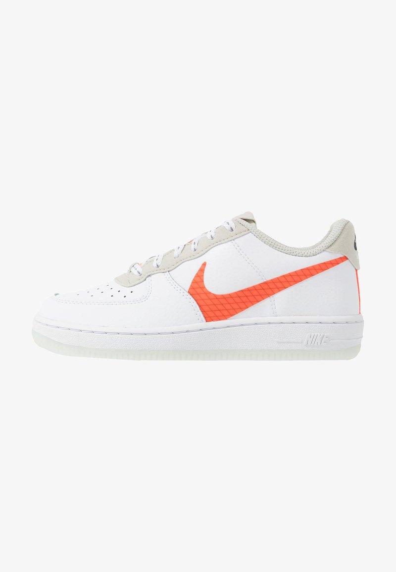 Nike Sportswear - FORCE 1 LV8 3 - Trainers - white/total orange/summit white/black