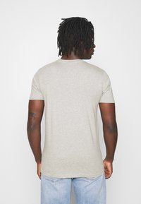 Ellesse - RIAN - Print T-shirt - grey - 2