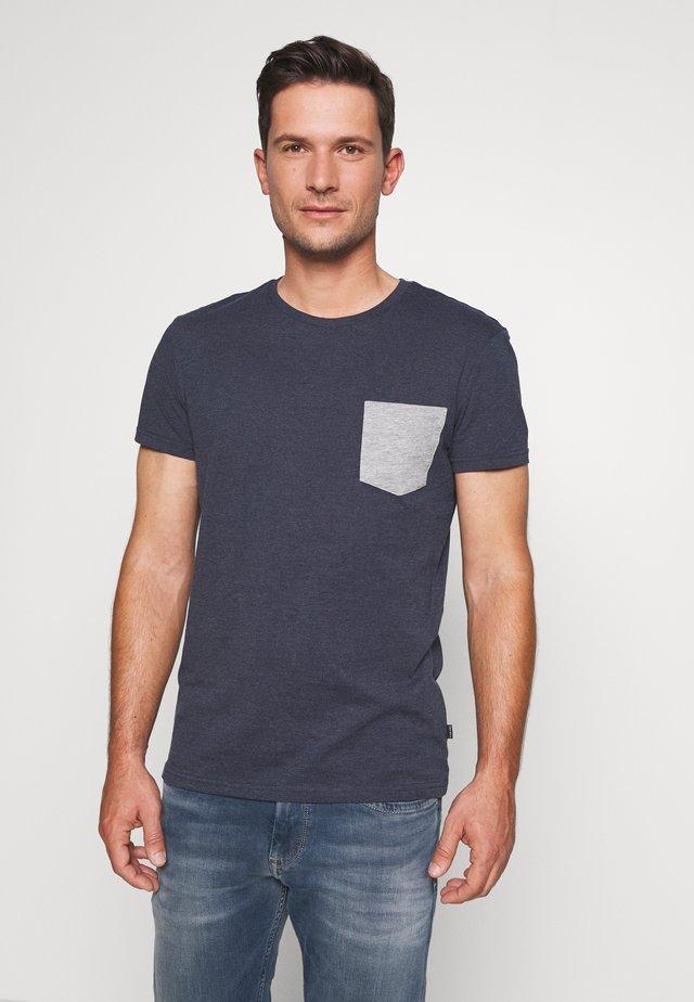 T-shirt print - mottled blue