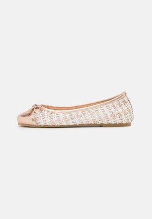 Ballet pumps - laminato rosa/oro/bianco