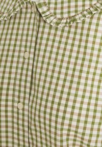 Marc O'Polo DENIM - BLOUSE FRILL DETAIL AT COLLAR - Button-down blouse - multi/fresh herb - 2