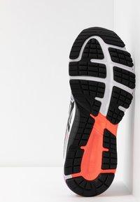 ASICS - GT-1000 8 - Obuwie do biegania treningowe - piedmont grey/black - 4