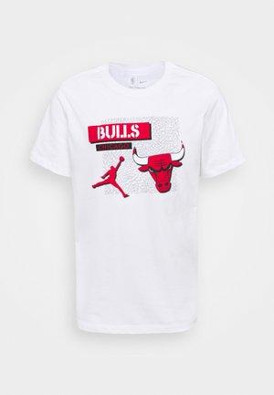 NBA CHICAGO BULLS STATEMENT JORDAN STATEMENT TEE - Pelipaita - white