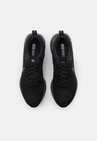 Nike Performance - REACT INFINITY RUN FK 2 - Neutrální běžecké boty - black/iron grey/white - 3