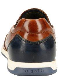 Bugatti - Slip-ons - cognac - 3