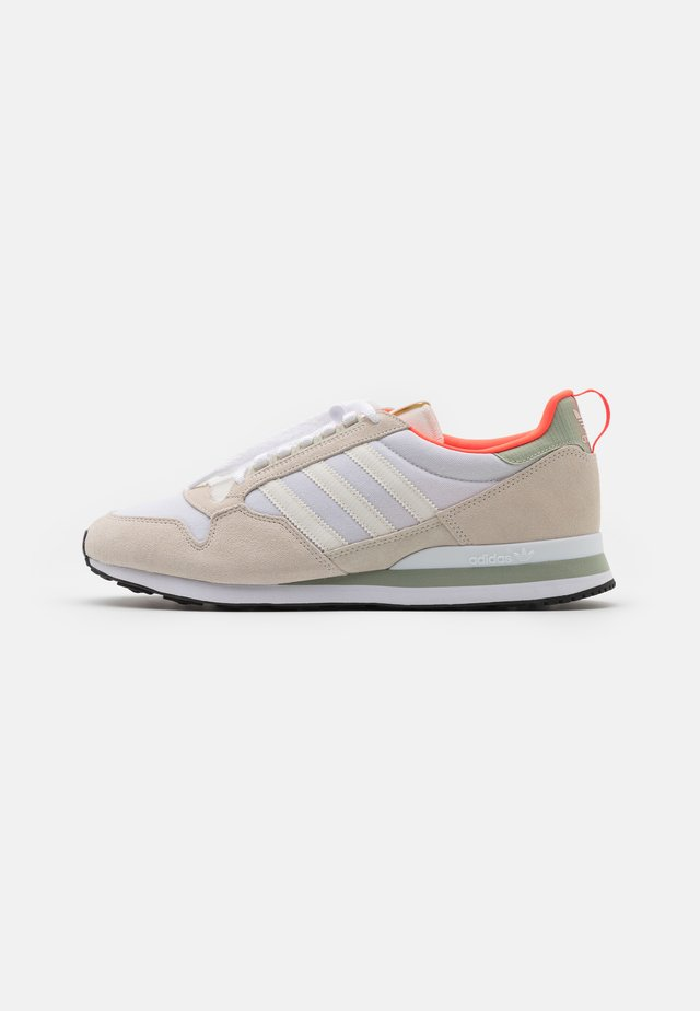 ZX 500 UNISEX - Trainers - offwhite/footwear white/halo green