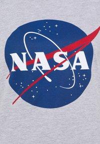 Missguided Petite - NASA GRAPHIC - Print T-shirt - grey - 2