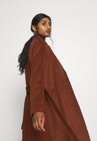 Selected Femme Petite - SLFMELLA  COAT - Classic coat - bordeaux - 3