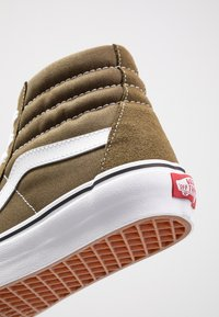 Vans - UA SK8-HI  - Sneaker high - beech/true white - 6