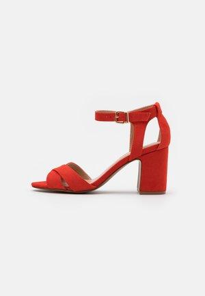 HELEN WIDE - Sandals - orange