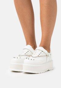Koi Footwear - VEGAN RETROGRADE - Derbies - white - 0