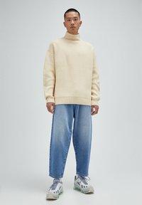 PULL&BEAR - Jeans Relaxed Fit - mottled dark blue - 1