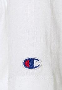 Champion Reverse Weave - CREWNECK - Jednoduché triko - white - 6