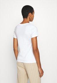 Calvin Klein - 2 PACK - T-shirt z nadrukiem - calvin white - 3
