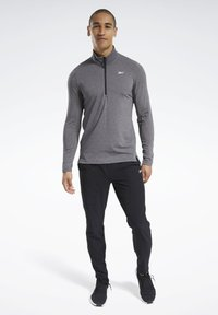 Reebok - ACTIVCHILL+COTTON TRAINING 1/4 ZIP - Sweatshirt - black - 1