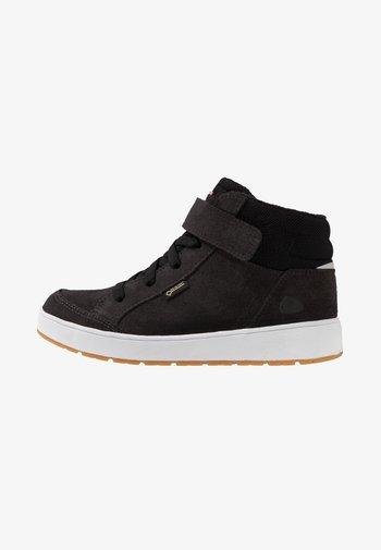 EAGLE WARM GTX UNISEX - Winter boots - black