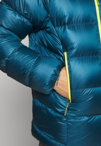 Patagonia - FITZ ROY HOODY - Down jacket - crater blue - 5