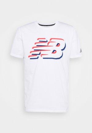 GRAPHIC HEATHERTECH TEE - Print T-shirt - white