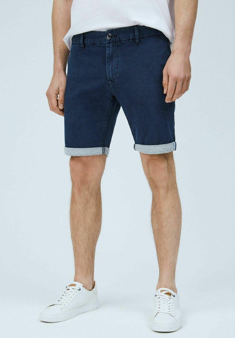 Pepe Jeans - JAMES - Denim shorts - indigo blau