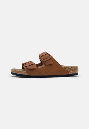 ARIZONA SOFT FOOTBED - Pantoffels - caramel
